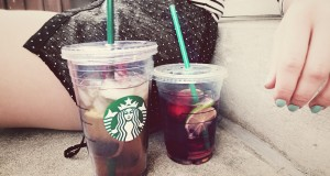 DIY-Summer-Drinks-Berry-Lemonade-Shaken-Green-Tea