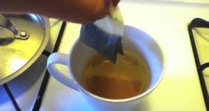 Drinking-Lipton-Green-Tea