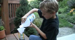 Vinegar-and-Baking-Soda-Rocket.-Easy-design